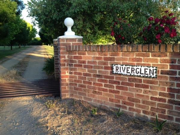 Hotel Pictures: Riverglen Cottage B&B, Wagga Wagga