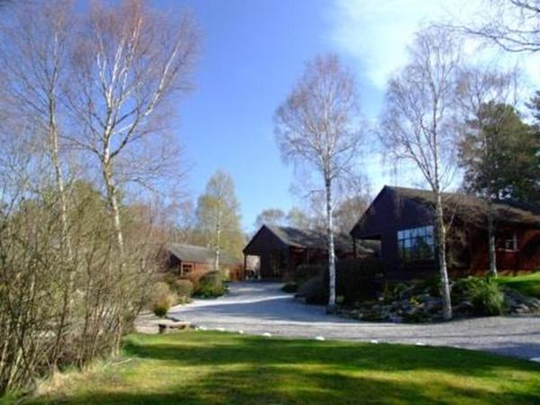 Hotel Pictures: Tullochwood Lodges, Forres