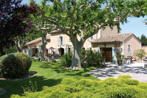 Hotel Pictures: Villa Mas St Jean House, Noves