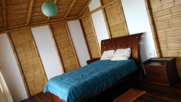 Three-Bedroom Bungalow with Sea View