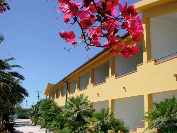 Hotel Pictures: Baiarenella Residence, Sciacca