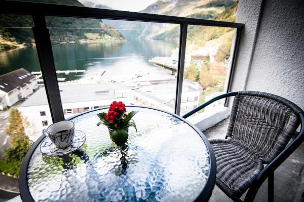 Superior Twin Room with Fjord View
