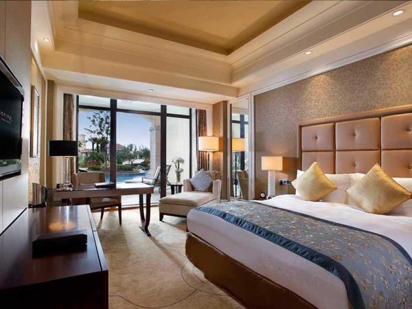 Luxury King Room with Pool Terrace