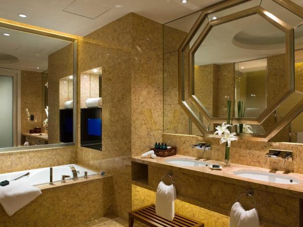 Luxury Twin Room with Pool Terrace