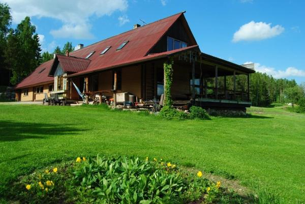 Hotel Pictures: Kunstimäe Tourism Farm, Sihva