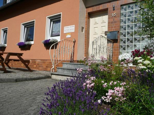 Hotel Pictures: Ferienhaus Moselhöhe, Urschmitt