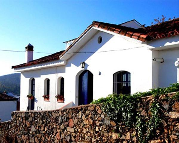 Hotel Pictures: Casa Vistahermosa 6, Fuenteheridos