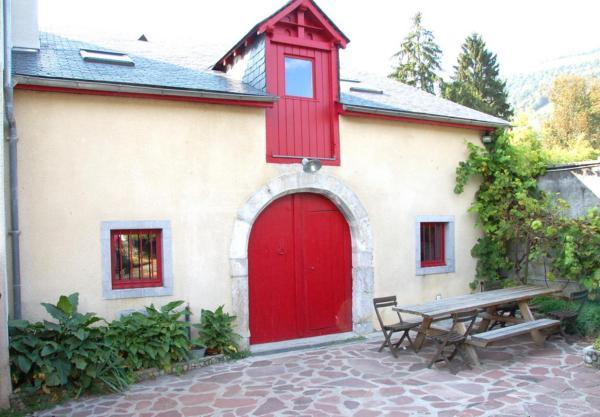 Hotel Pictures: Gîte La Grange, Bielle