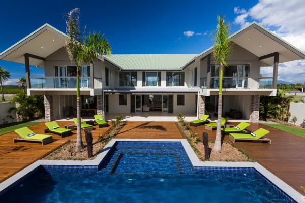 Hotel Pictures: Naisoso Island Resort Villas, Nadi