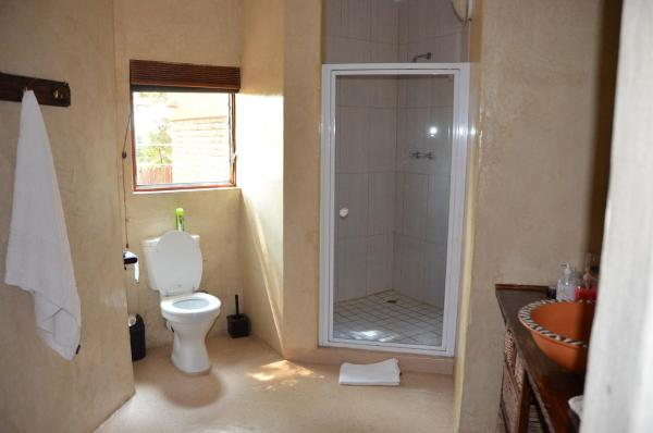 Family Room with Shower (3 Adults)