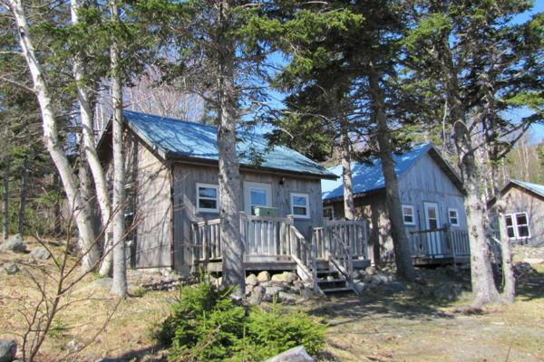 Hotel Pictures: The Maven Gypsy Cottages, Birch Plain