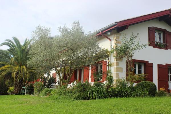 Hotel Pictures: Chambres d'Hôtes Mirikuborda, Larressore