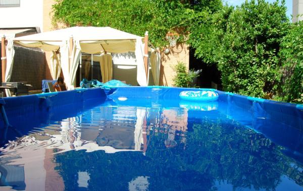 Hotel Pictures: BDN Barcelona Houses, Badalona