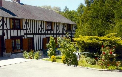 Hotel Pictures: Le Val Godard, Fresnay-le-Samson