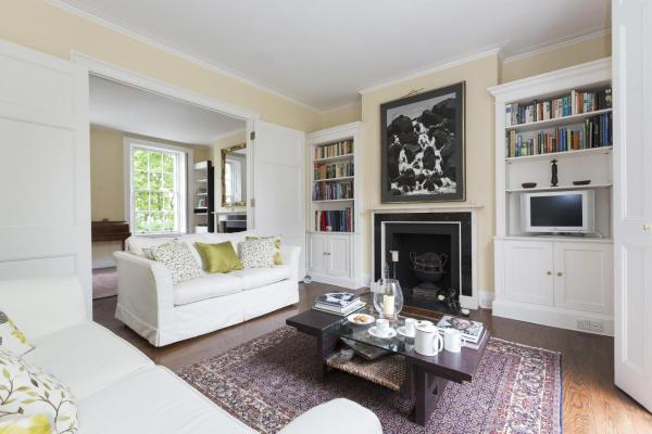 Three-Bedroom Townhouse - Canning Place
