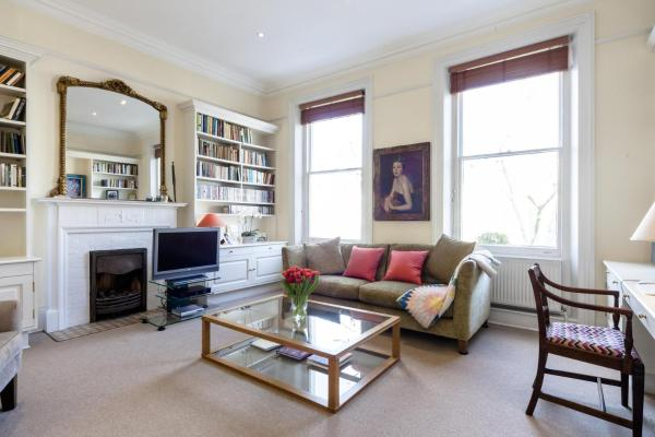 Two-Bedroom Apartment - Lexham Gardens 2