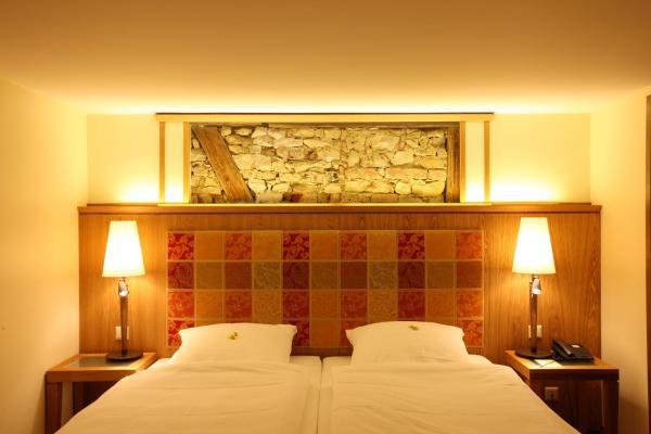 Hotel Pictures: Romantik Hotel Landgasthof Adler, Rammingen