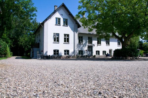 Hotel Pictures: Skelstrupgaard Apartments, Maribo