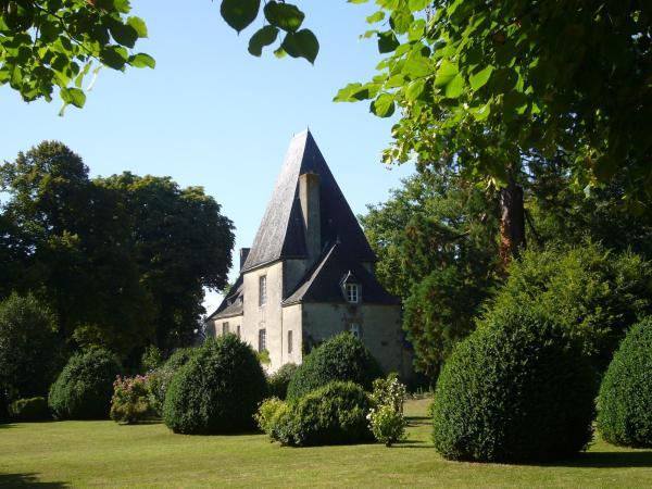 Hotel Pictures: Château de la Cour, Sainte-Gemmes-le-Robert