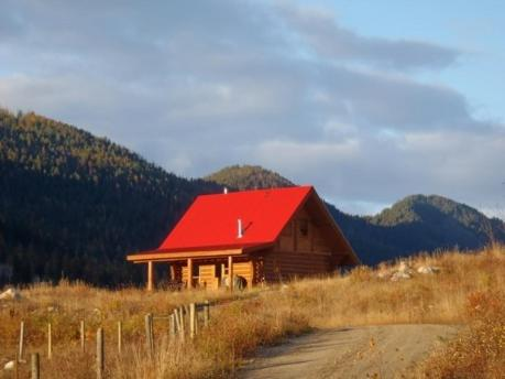 Hotel Pictures: Bear Valley Highlands, Lumby