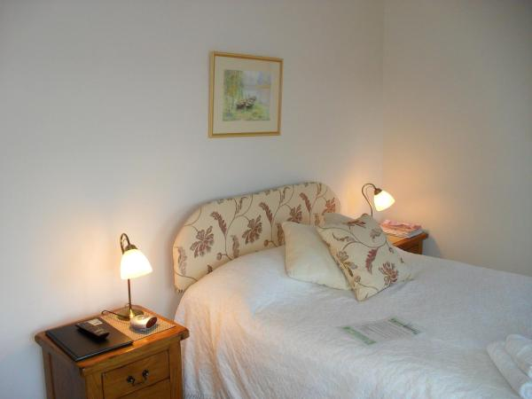 Double Room with Private Bathroom - Not En-suite.