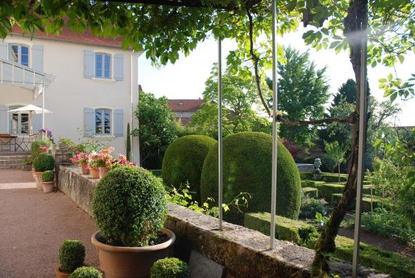 Hotel Pictures: Demeure Bouquet, Ambierle