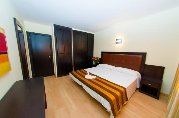 Three-Bedroom Apartment (2-6)