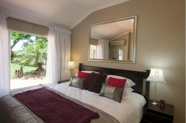 Standard Double Room with Garden View