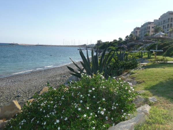 Hotel Pictures: Zygi Beach Villa, Zygi
