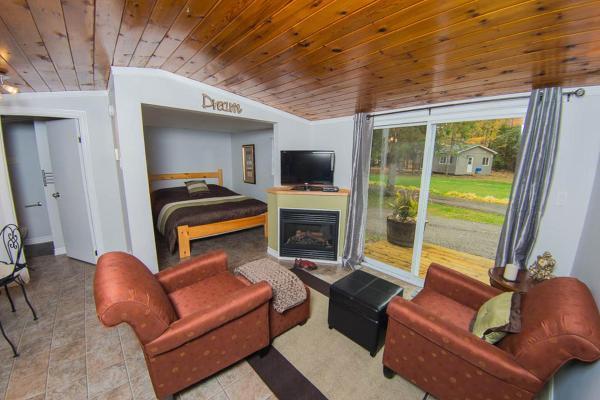 Hotel Pictures: , Algonquin Highlands
