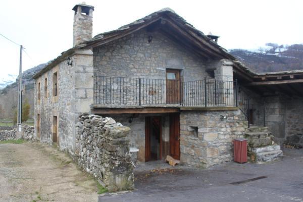 Hotel Pictures: Casa Rural Las Machorras I y II, Bárcenas