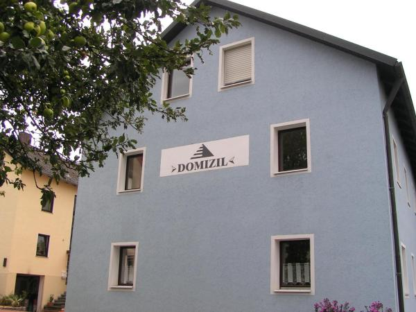 Hotel Pictures: Domizil, Moosbach