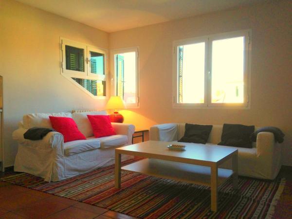 Hotel Pictures: Apartamentos los Fresnos, Torrecaballeros