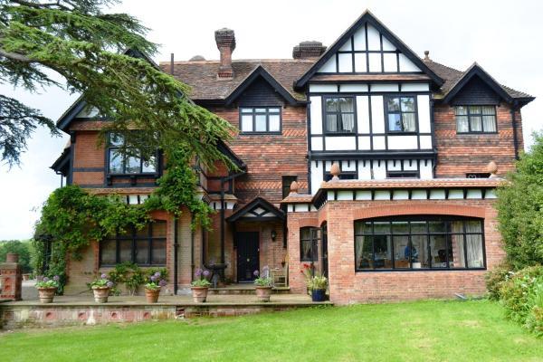Hotel Pictures: Hambledon House, Godalming