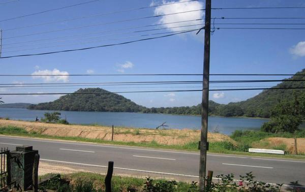 ホテル写真: Sudu Kanda Lake Resort, Giritale