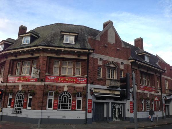 Hotel Pictures: Wellington Hotel, Wallasey