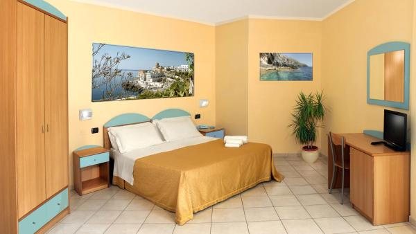 Double Room with Terrace and Sea Views