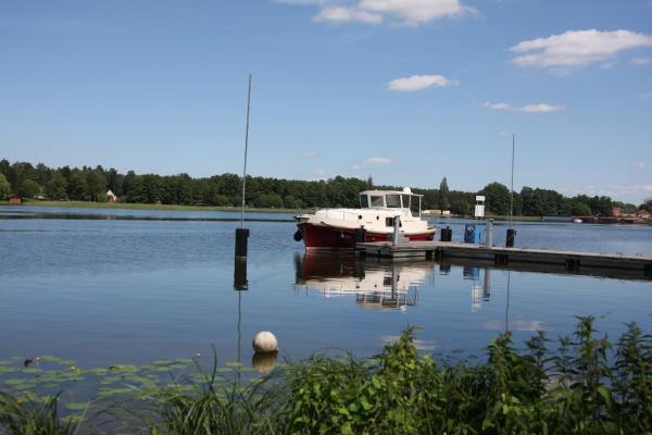 Hotel Pictures: River Boating Holidays, Fürstenberg-Havel