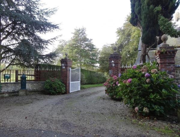 Hotel Pictures: Ferme de Dauval, Mandeville-en-Bessin