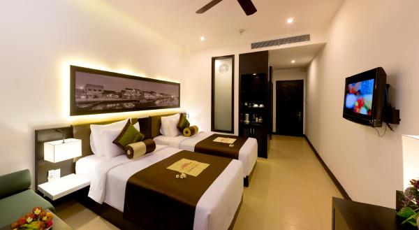 Grand Deluxe Double or Twin Room - Meal Package