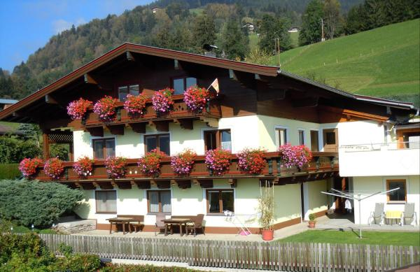 Hotel Pictures: Appartement Perfeller, Piesendorf