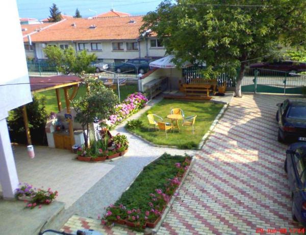 Hotel Pictures: Djimi Guest House, Sveti Vlas