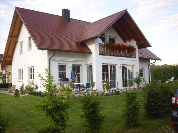 Hotelbilleder: Ferienwohnung Maria Waldblick, Burtenbach
