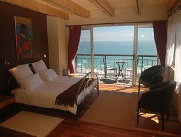 Three Palms One-Bedroom Apartment with Sea View