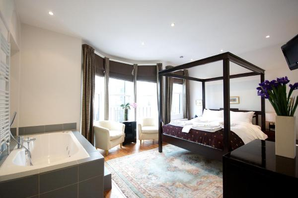 4-Poster Double Room with Balcony