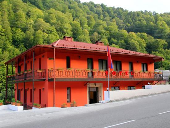 Hotellbilder: Red Hotel, Dilijan