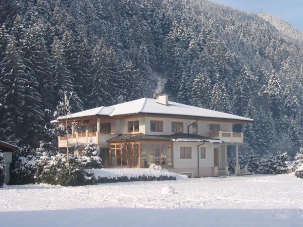 Zdjęcia hotelu: Landhaus Chalet Rosenrot, Fügen