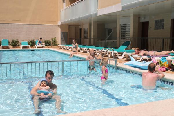 Hotel Pictures: Apartaments Costa d'Or, Calafell