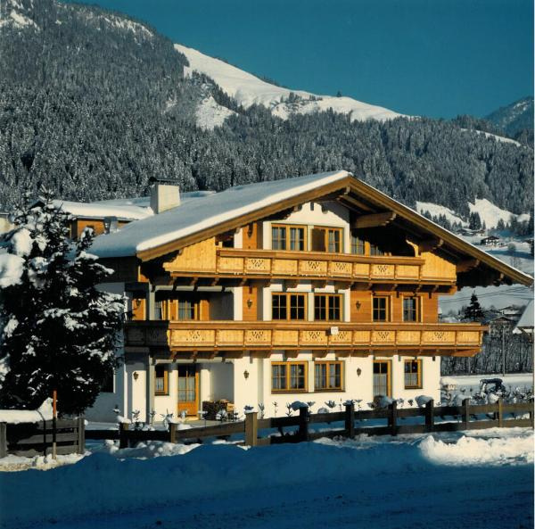 Hotel Pictures: Apartment Daxauer, Sankt Johann in Tirol