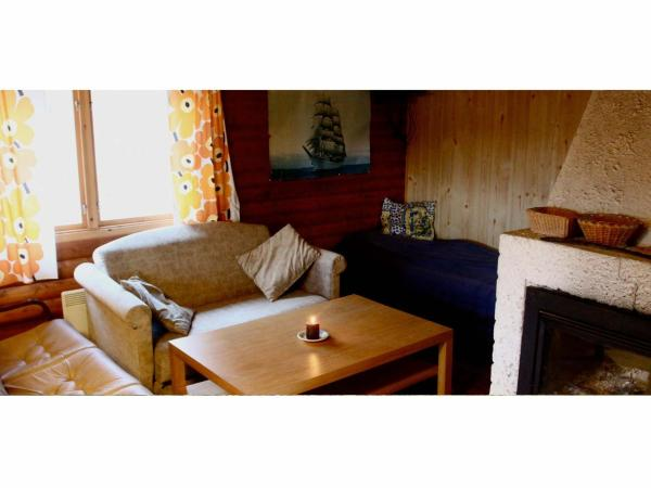 Economy Cottage with Shared Bathroom